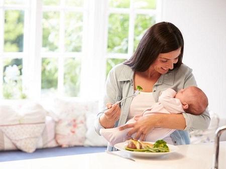 Диета при грудном вскармливании: отзывы, меню при ГВ по месяцам для кормящей мамы