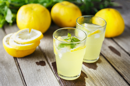 Похудение с помощью воды: отзывы, как пить воду для похудения, рецепты